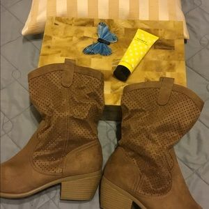 American Eagle Boots! 10